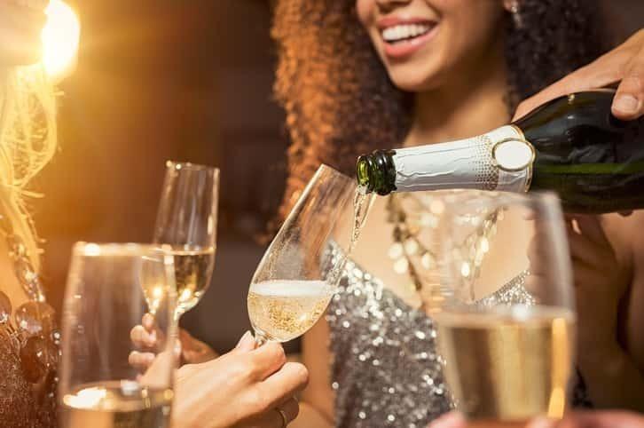 引っ越し祝いの乾杯はシャンパンで! おすすめの商品5選を紹介